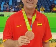 Medalla de bronce, medalla para nuestro querido antiguo alumno Ángel Sánchez Cañete, trabajo silencioso pero vital para que el equipo de baloncesto de la selección consiga los frutos. Todo un […]
